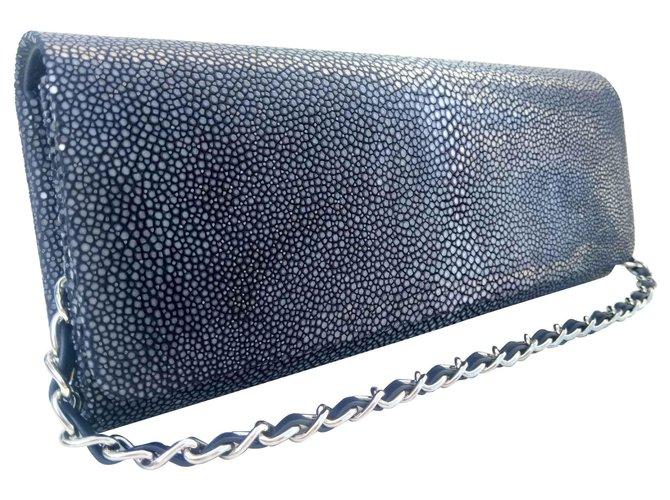 Autre Marque Clutch in navy blue stingray Dark blue Exotic leather  ref.133983