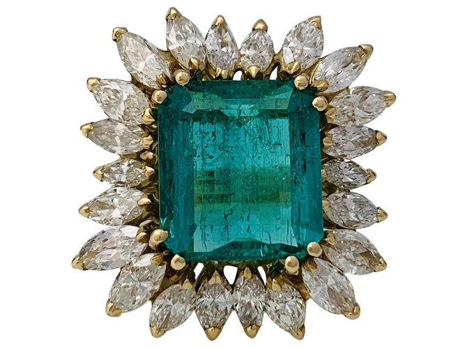 Bagues Bague en or jaune émeraude et diamants. Autre,Or jaune Autre ref.134475