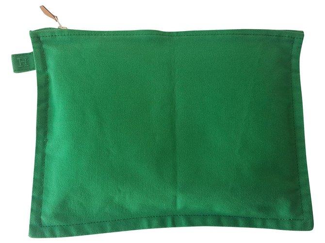 Hermès Clutch bags Clutch bags Cloth Green ref.136260