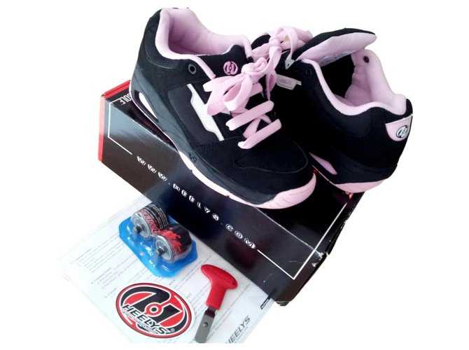 Autre Marque HEELYS A ROULETTES Sneakers Other Other ref.136542