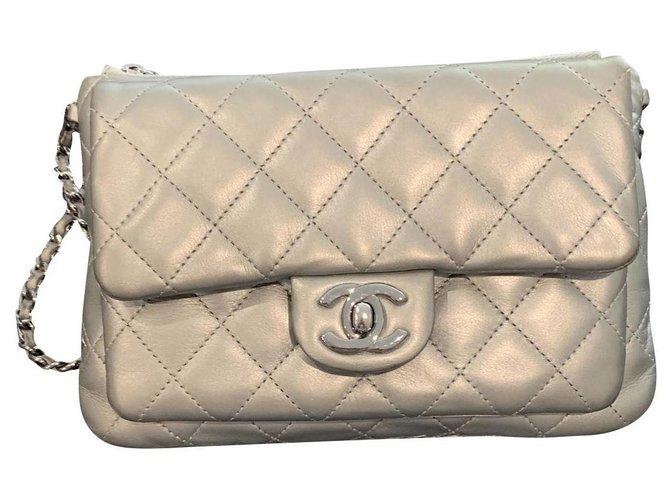 1cc80de6e Chanel Clutch bags Clutch bags Leather Grey ref.137858 - Joli Closet