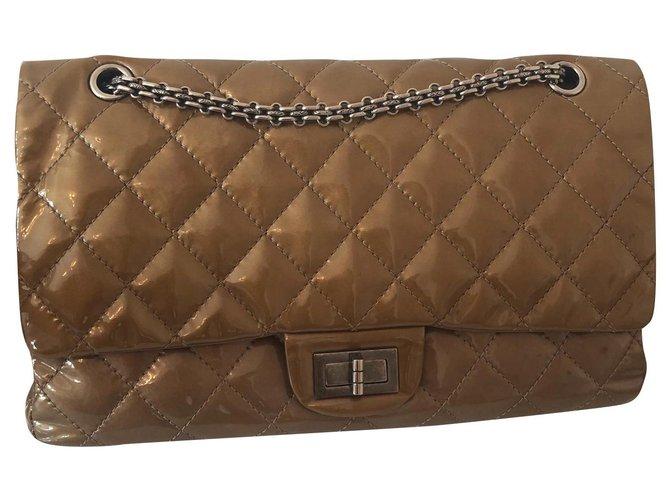 Sacs à main Chanel Reissue Cuir vernis Beige ref.138312