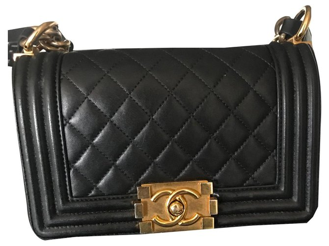 Chanel Boy Quilted Small Flap Le