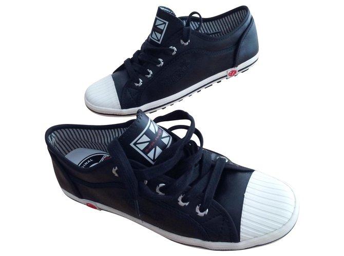 Chaussures à lacets Autre Marque S.OLIVER  MODELE MIXTE Autre Noir ref.140822