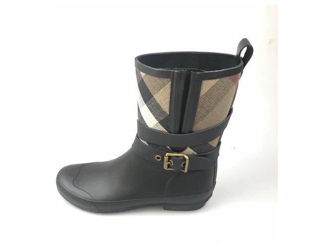 Burberry Burberry Black Nova Check Rubber Rain Boot Ankle Boots Other,Cotton,Plastic,Cloth Black,Multiple colors ref.143197