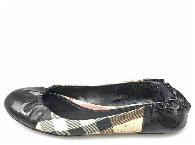 Burberry Burberry Black Nova Check Patent Leather Ballerina Ballet flats Leather,Patent leather,Cloth,Cloth Black,Multiple colors ref.143203
