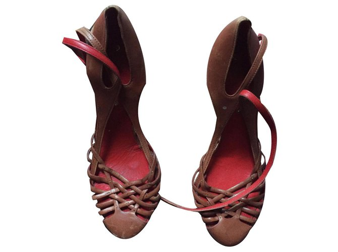 Céline chic pumps Celine Heels Leather Light brown ref.143735