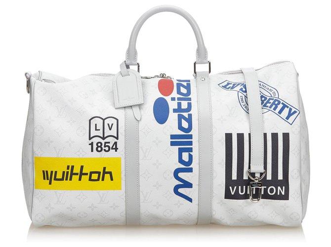 Sacs de voyage Louis Vuitton Louis Vuitton White Monogram Antarctique Keepall Bandouliere Logo Histoire 50 Cuir,Autre,Toile Blanc,Multicolore ref.144302