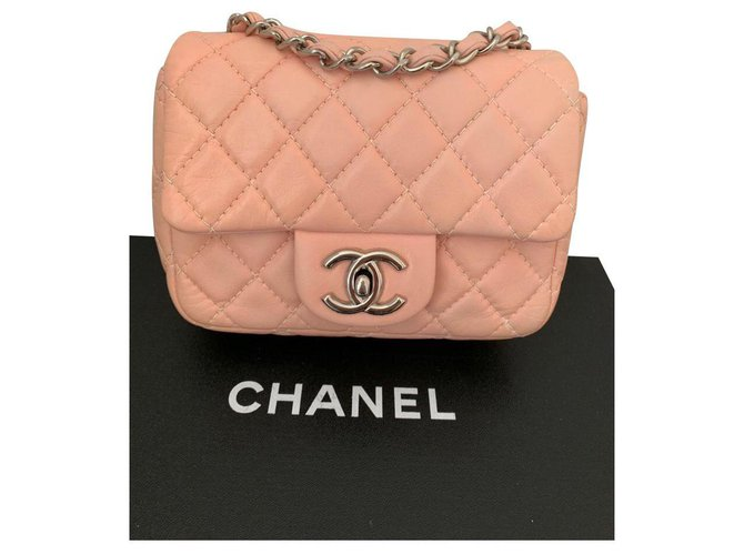 Chanel Mini Classic Handbags Leather Pink ref.144757