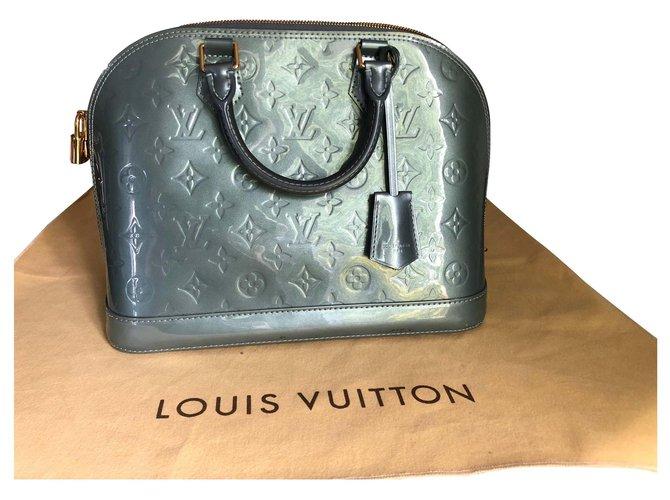 Sacs à main Louis Vuitton SacLouis Vuitton Alma Cuir Bleu ref.145482