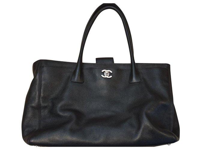 Chanel Shoulder A4 lined sided Handbags Leather Black ref.146345