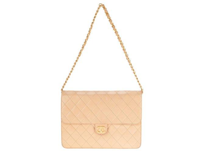 Chanel Beautiful vintage Chanel Classic bag in beige quilted lambskin, Golden Jewelery. Handbags Lambskin Beige ref.146645