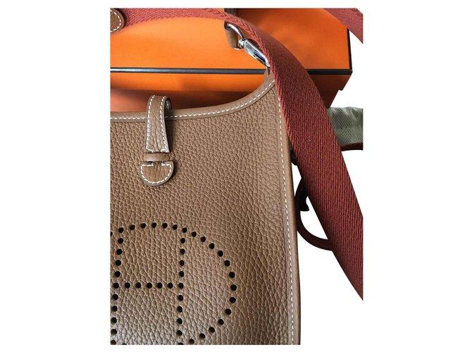 Hermès Handbags Handbags Leather Brown ref.146669