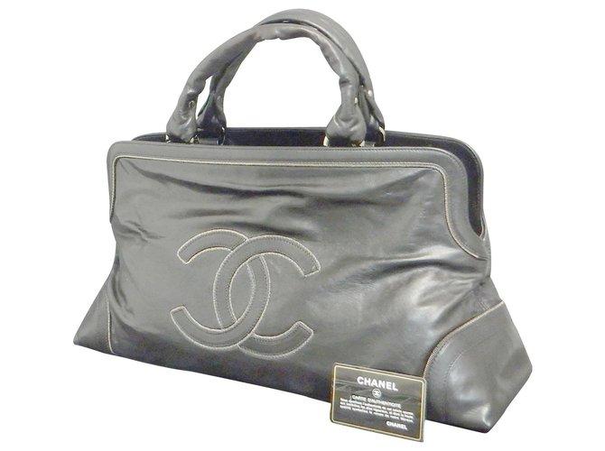 Sacs à main Chanel Sac à main Chanel Vintage Cuir Noir ref.148544