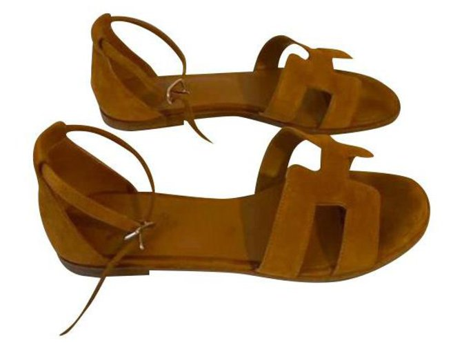 Hermès Sandals Sandals Suede Caramel ref.150462