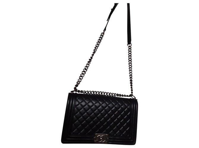 Chanel Boy Handbags Lambskin Black ref.150926
