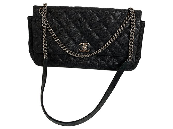 Chanel classical Handbags Leather Black ref.151261