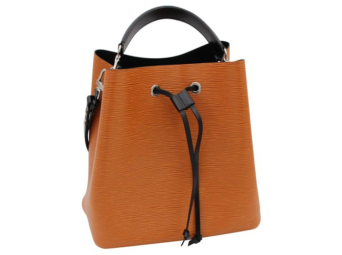 Louis Vuitton Louis Vuitton handbag, Neonate Model, 2018. Handbags Leather Brown ref.153142