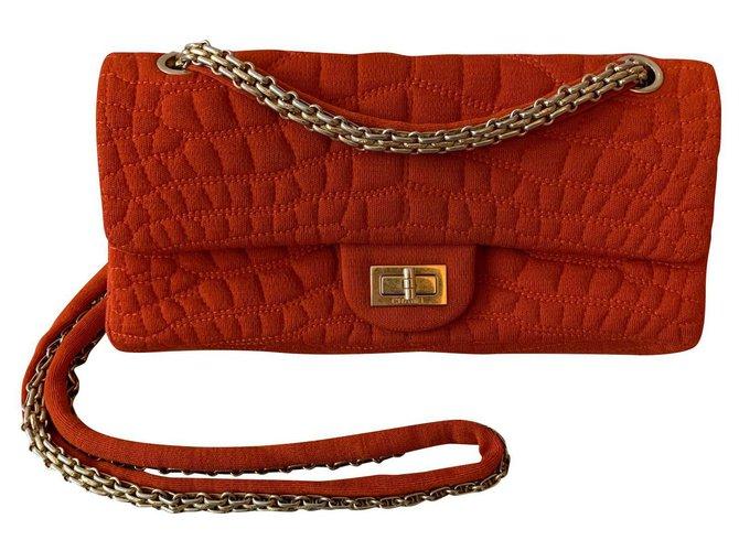 Sacs à main Chanel Chanel Tissu Rouge ref.153182