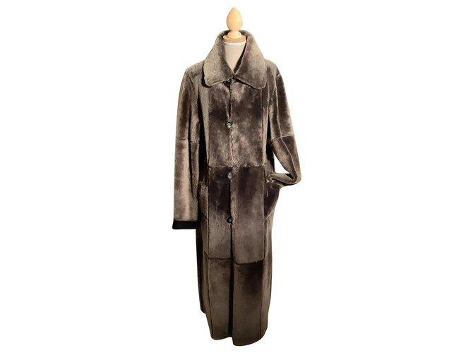 Yves Salomon Coats, Outerwear Coats, Outerwear Lambskin Black ref.153354