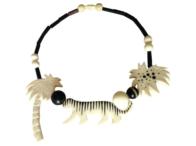 Autre Marque Necklaces Necklaces Other Multiple colors ref.154754