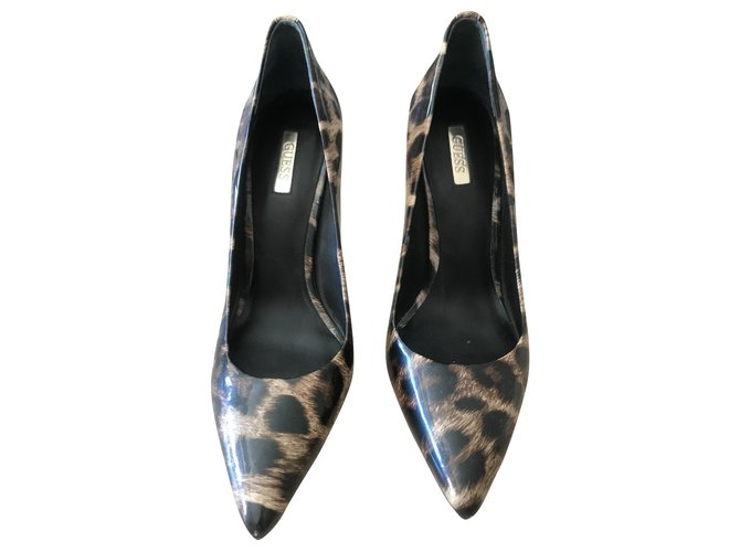 Guess pump Heels Patent leather Leopard