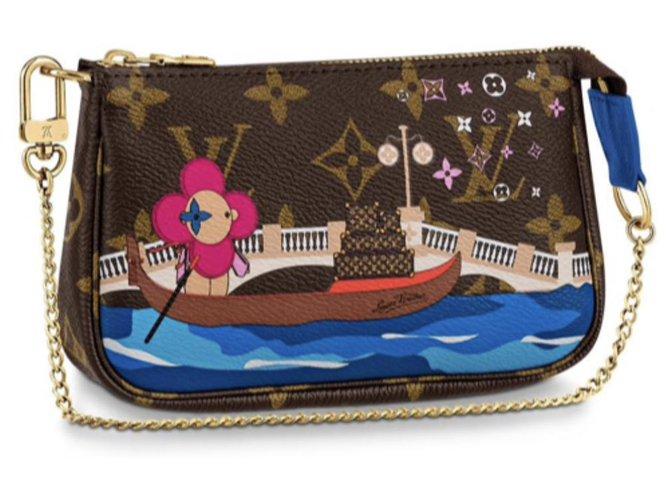 Louis Vuitton Louis Vuitton mini pochette new Handbags Leather Brown ref.154969