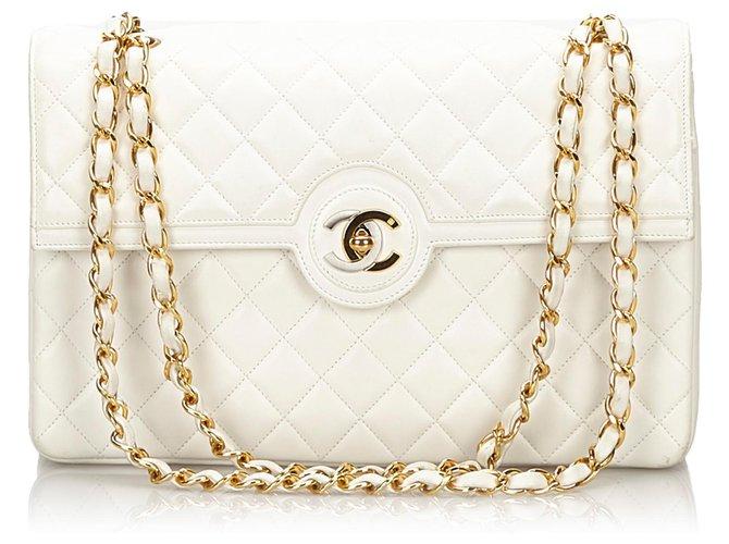 Sacs à main Chanel Sac porté épaule à rabat doublé en peau de mouton blanc CC Chanel Cuir,Autre,Métal Blanc ref.157276