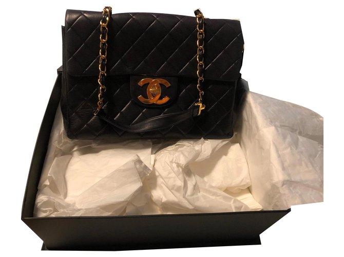 Sacs à main Chanel Sac Chanel jumbo Cuir d'agneau Noir ref.159885