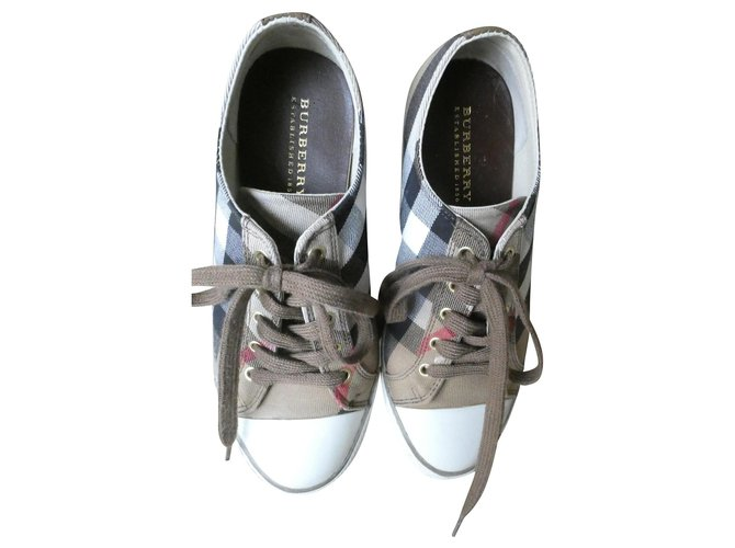 Burberry Leather and canvas Sneakers Other Other ref.159945