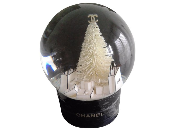Chanel Snow Ball Misc Glass Black ref.161940