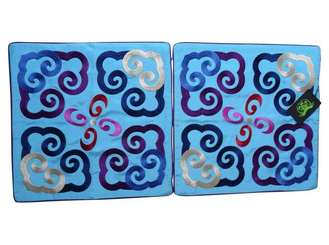 """Décoration divers Shanghai Tang 2 housses de coussins 46 x 46 cm Shanghai Tang """"Yun"""" Soie Bleu clair ref.162586"""
