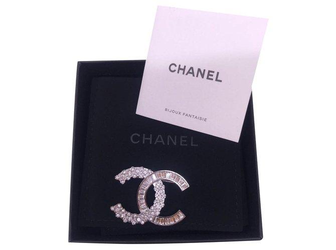 Chanel Chanel Rhinestone / Glitter Brooch 2019 Pins & brooches Metal Silvery ref.163315