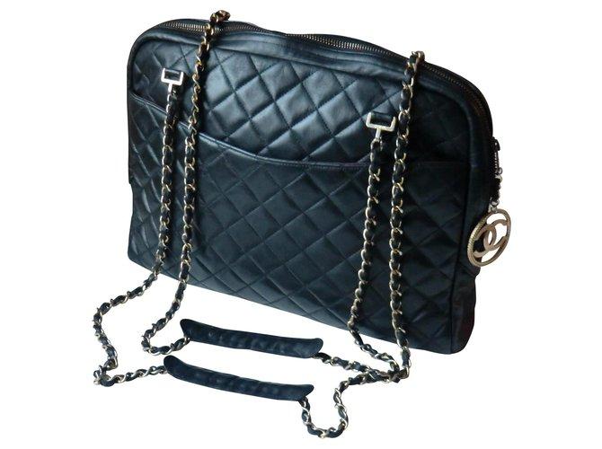 Sacs à main Chanel Sac Chanel modèle Caméra grand modèle Cuir Noir ref.163824