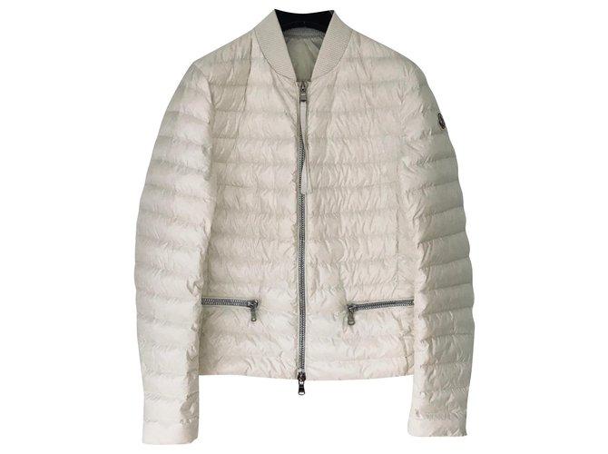 Vestes Moncler Doudoune Moncler Nylon Blanc cassé ref.164396