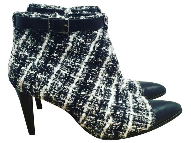 Chanel Ankle Boots Ankle Boots Tweed Black,White ref.164953