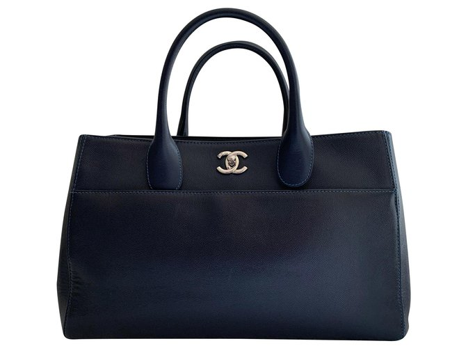 Chanel Executive caviar leather handbag Handbags Leather Dark blue ref.165707