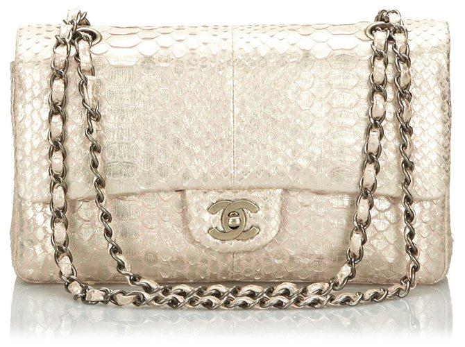 Sacs à main Chanel Sac à rabat en cuir python moyen classique doré Chanel Cuir,Autre,Métal Rose,Doré,Autre ref.166773