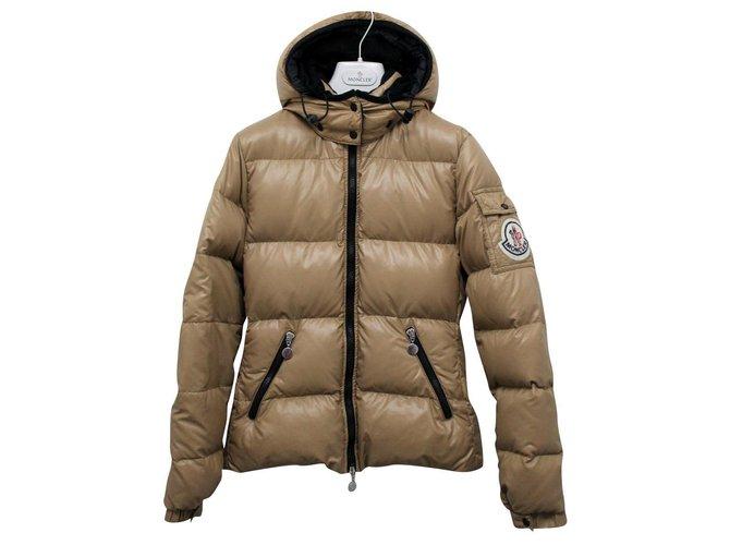 Vestes Moncler Moncler Real Down Jacket avec capuche amovible Taille Small Polyamide Marron clair ref.167152