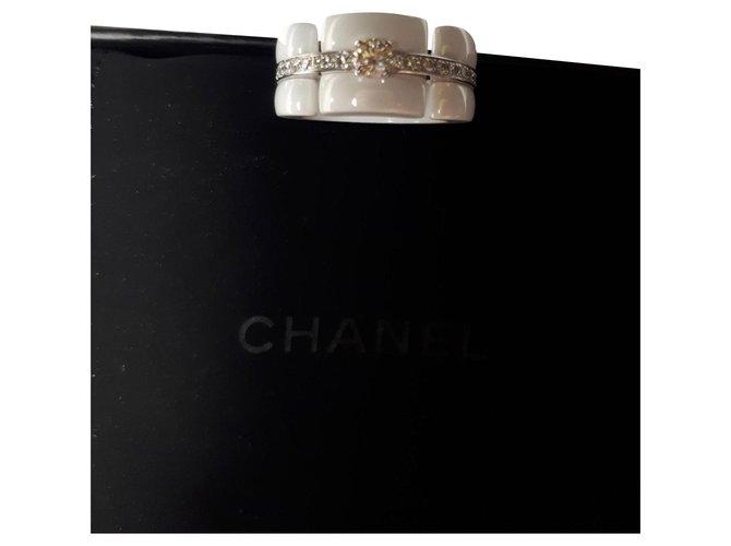 Bagues Chanel ULTRA RING NEUF JAMAIS PORTÉ Céramique Blanc ref.167263