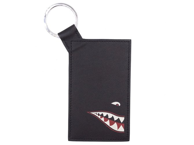 Bijoux de sac Hermès Porte-cartes Hermès Black Citypass Shark Badge Cuir Noir ref.168042
