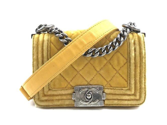 Sacs à main Chanel Chanel Boy Mini CC Yellow Velvet Velours Jaune ref.168187