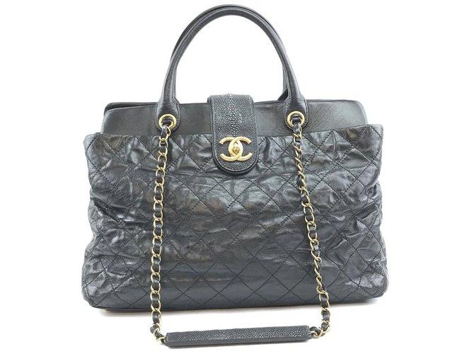 Sacs à main Chanel Chanel Bindi Cuir de veau noir Cuir Cuir Noir ref.168202