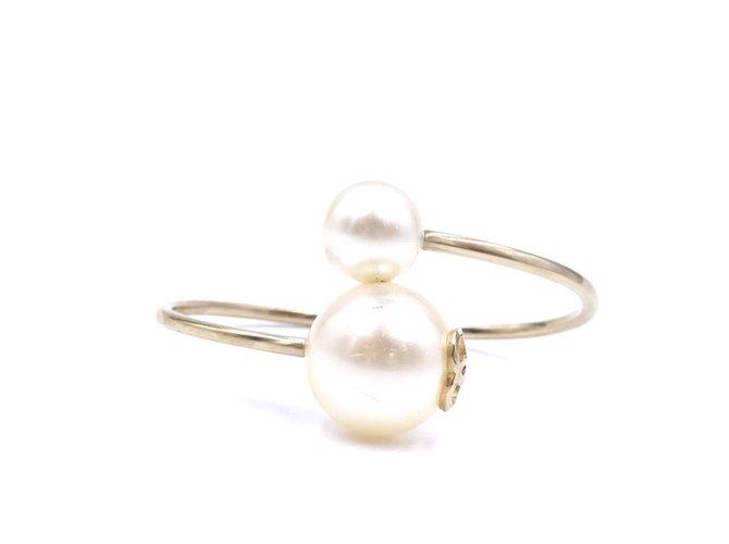 Bracelets Chanel Chanel Gold Creamy CC Pearl Cuff Celebrity Bracelet Perle Doré ref.168203