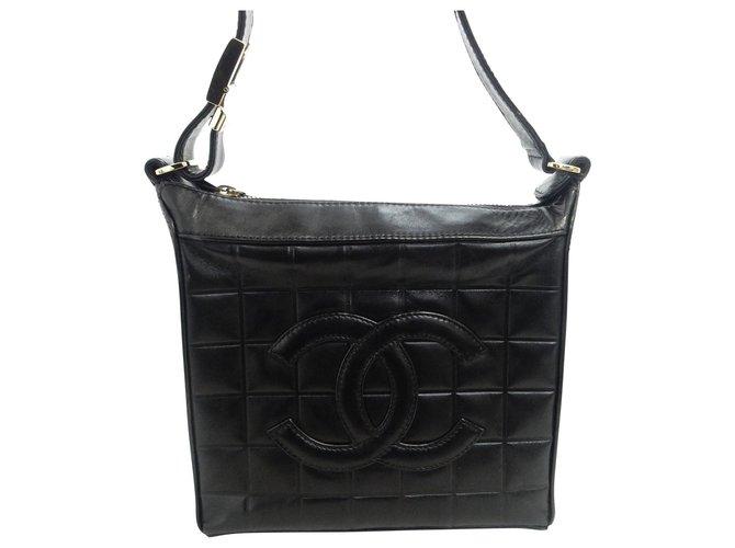Sacs à main Chanel Chanel Vintage Sac à bandoulière Cuir Noir ref.168860