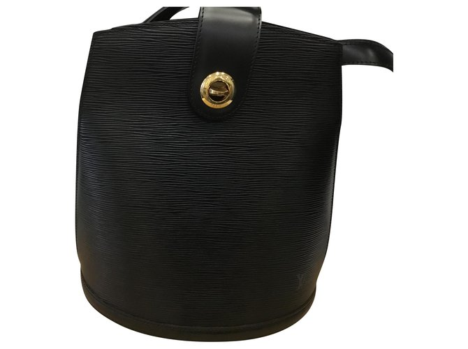 Louis Vuitton Cluny Handbags Leather Black ref.169157