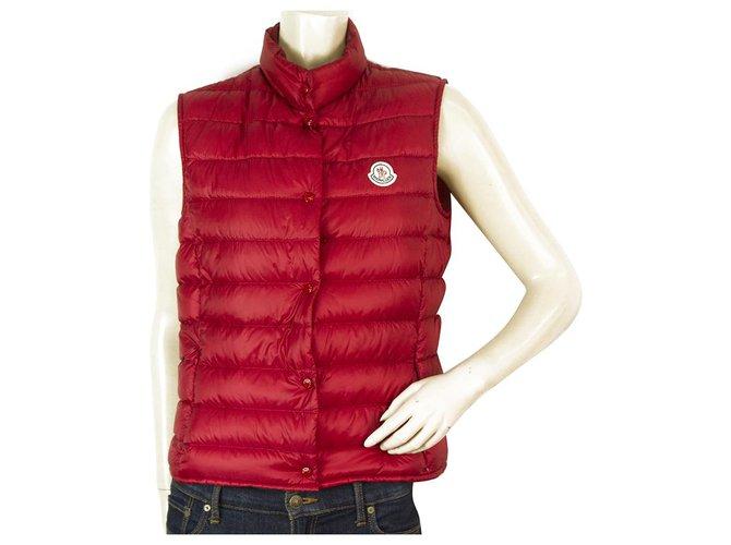 Vestes Moncler Moncler Liane gilet en plumes de duvet rouge foncé taille veste sans manches légère 2 Polyamide Rouge ref.169217