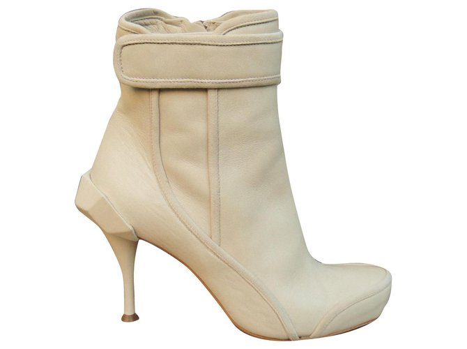 Céline Céline p boots 36 Ankle Boots Leather White ref.169265