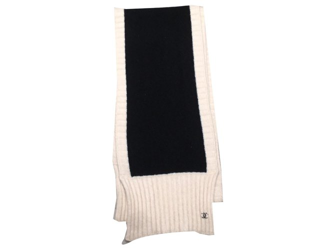 Chanel Scarves Scarves Cashmere Black,Beige ref.170695