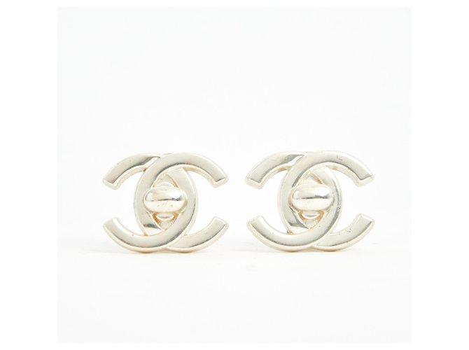 Boucles d'oreilles Chanel SILVER CC LOCKER Métal Argenté ref.171800